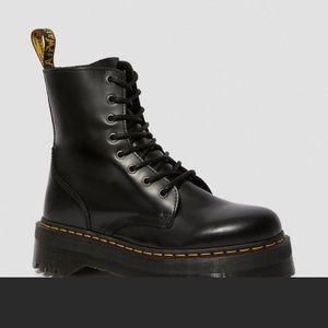 Dr Martens Jason WOMEN SIZE 8 w satin ribbon laces